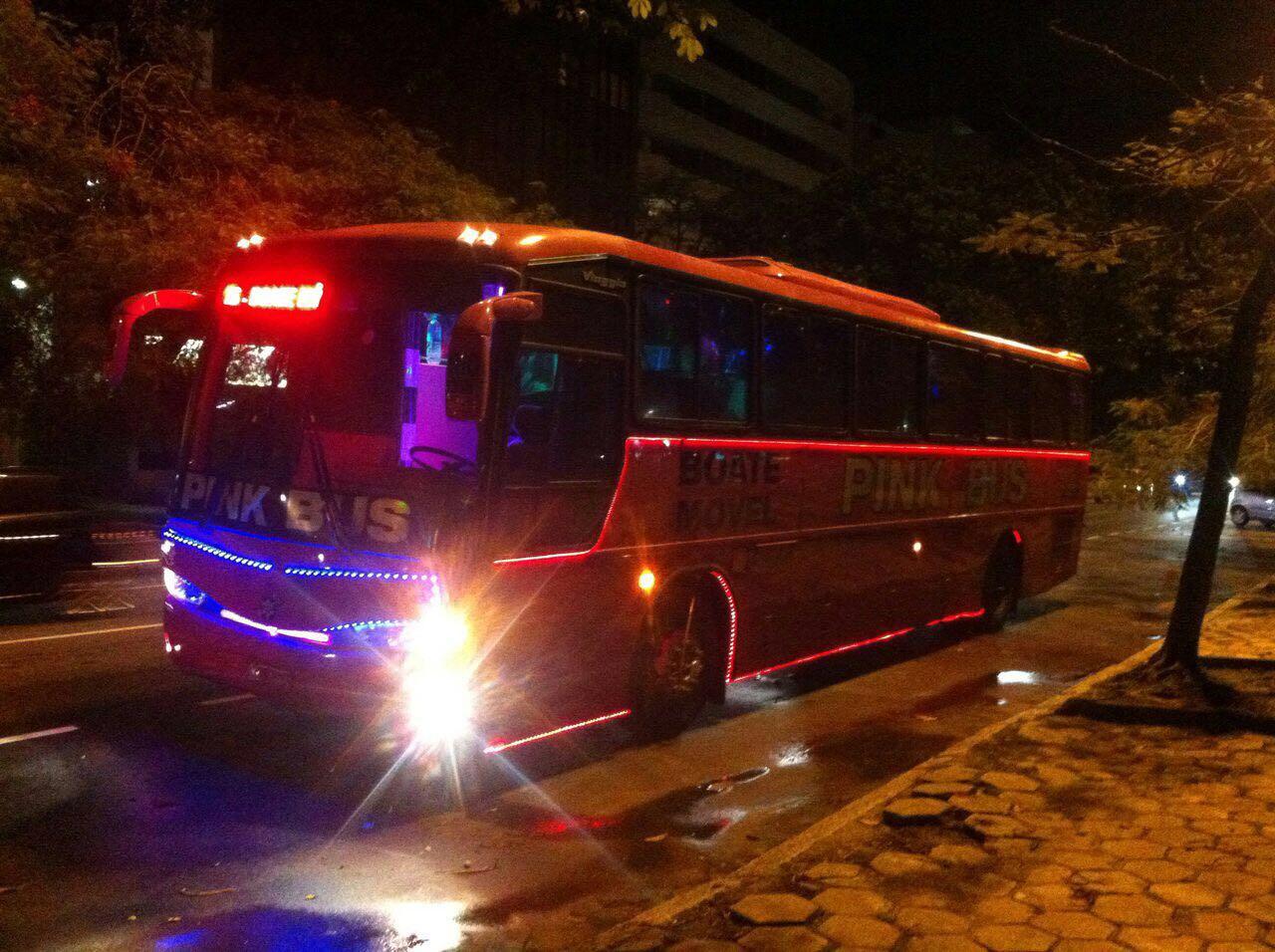 pink-bus1